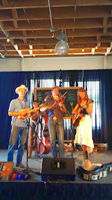 Portland Monthly's Country Brunch 2014 at Castaway benefiting Zenger Farm great country music by Foghorn Stringband