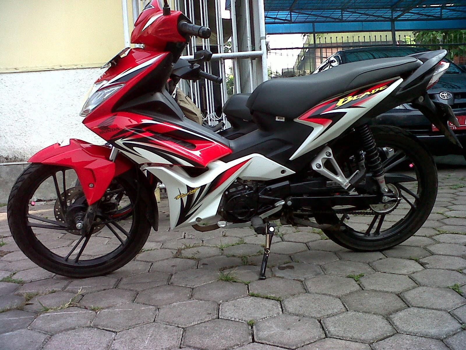 Foto Modifikasi Honda Blade Repsol