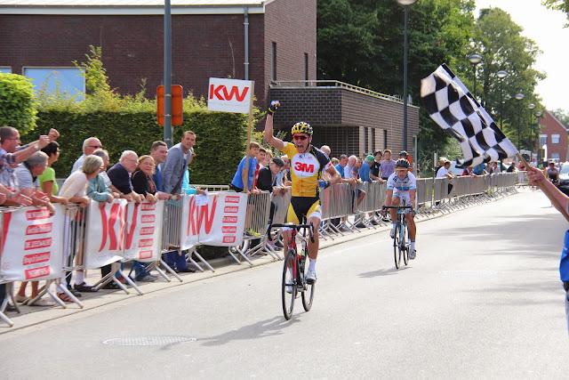 Jens Vandenbogaerde wint 44e Ommegangprijs wielrennen