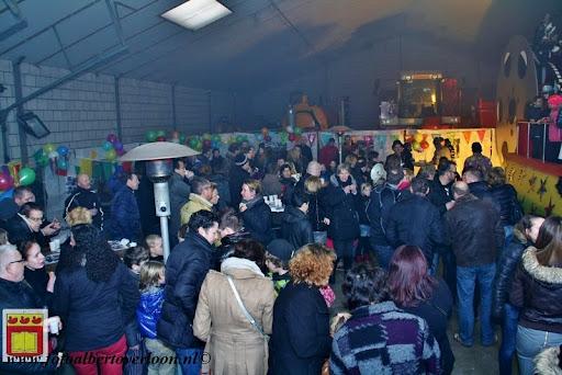 presentatie jeugd carnavalswagen 09-02-2013 (76).JPG