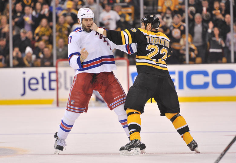 Shawn Thornton vs. Mike Rupp