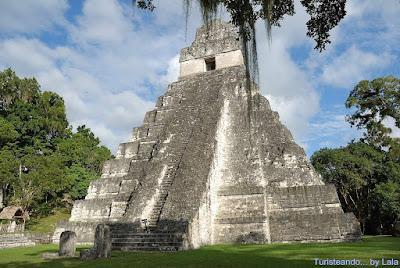 Tikal, templo Gran Jaguar