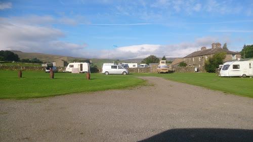 Camping  at Bainbridge Ings Caravan Site