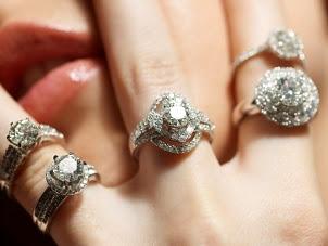 100825_diamond_rings স্বল্পমূল্যে হীরা ও হীরার প্রলেপযুক্ত গহনা আসছে !