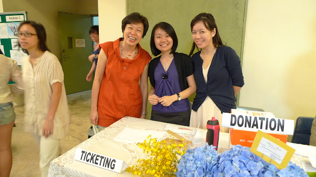 Ms Leong and the Alumni Office teachers
