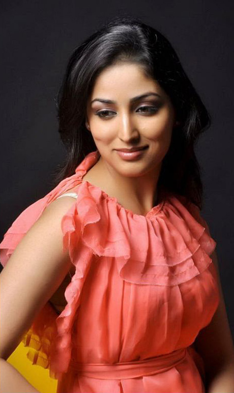 Yami Gautam hot photo