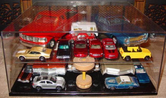 My dealer promo models & display cases ModelCars_DisplayCase_AddShelf_Multiple