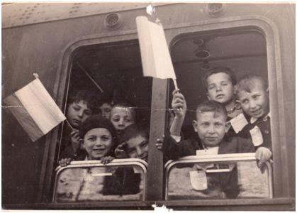 Infanzia salvata in treno verso il nord dìItalia