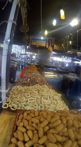 coruna market.jpg