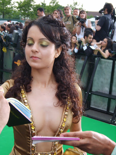 bollywood heroine kangana ranaut cute Pictures without bra.jpg