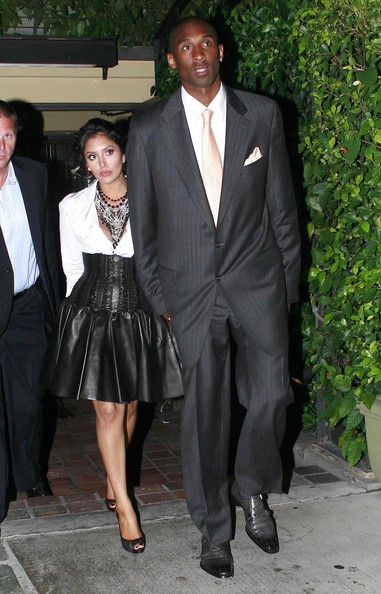 who is kobe dating Discussion forum for kobe bryant's girlfriend does kobe bryant (los angeles lakers, nba) have a girlfriend is he dating someone is he married single divorced.
