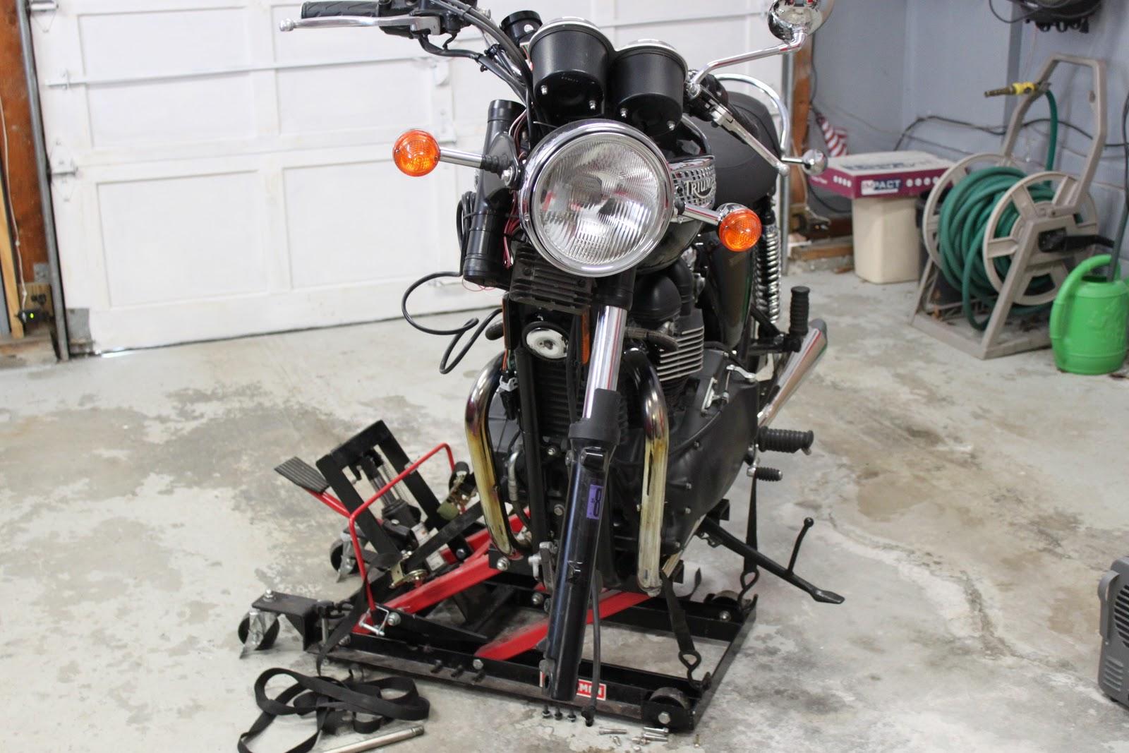 Adam's Motorcycle Shop: February 2011