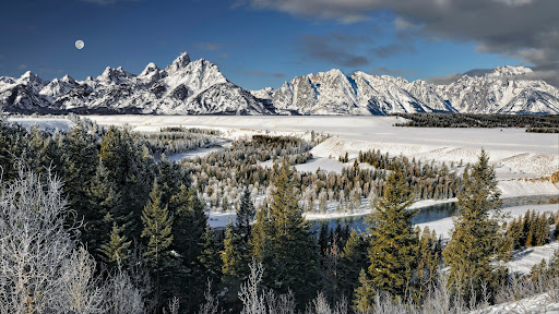 Minus eight Degrees, Moonset, Snake River, Grand Teton National Park, Wyoming.jpg