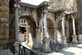 Puerta de Adriano - Antalya