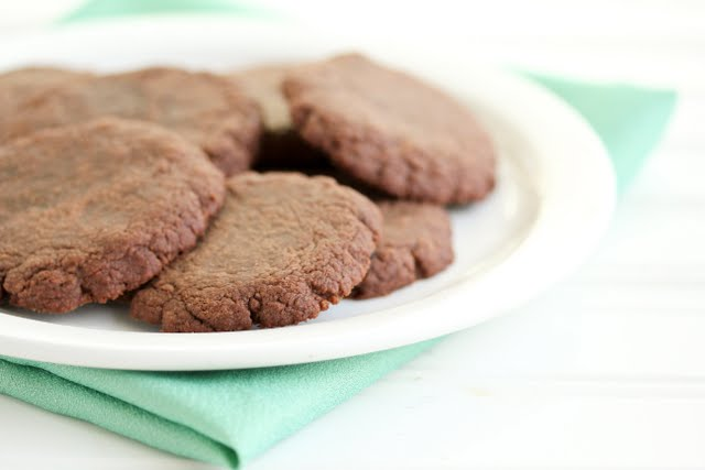 close-up photo of a plate of nutella cookies
