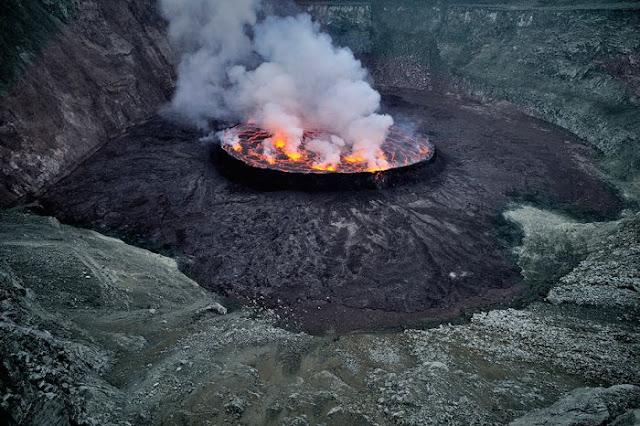 استكشافية لبركان نيراجونجو افريقيا 6.jpg