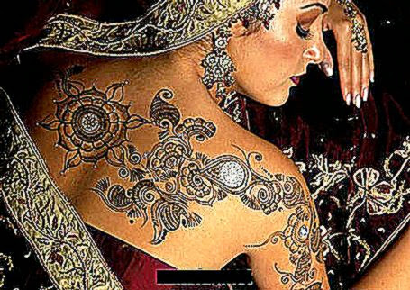 Indian Girls Fanz Henna Body Art 2011