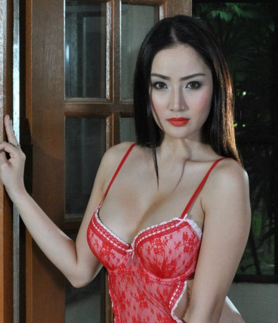 Paulene So Scandal http://pinay.thesexiestsite.com/2011/03/paulene-so-in-sexy-red-nighties.html