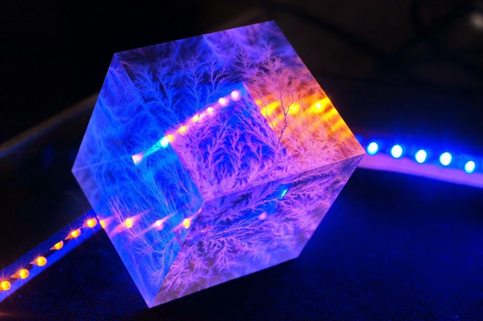 Lichtenberg figure in a cube