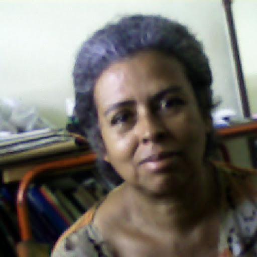 Gloria Quiroz Photo 19