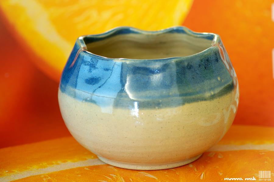 波浪碗口的小碗