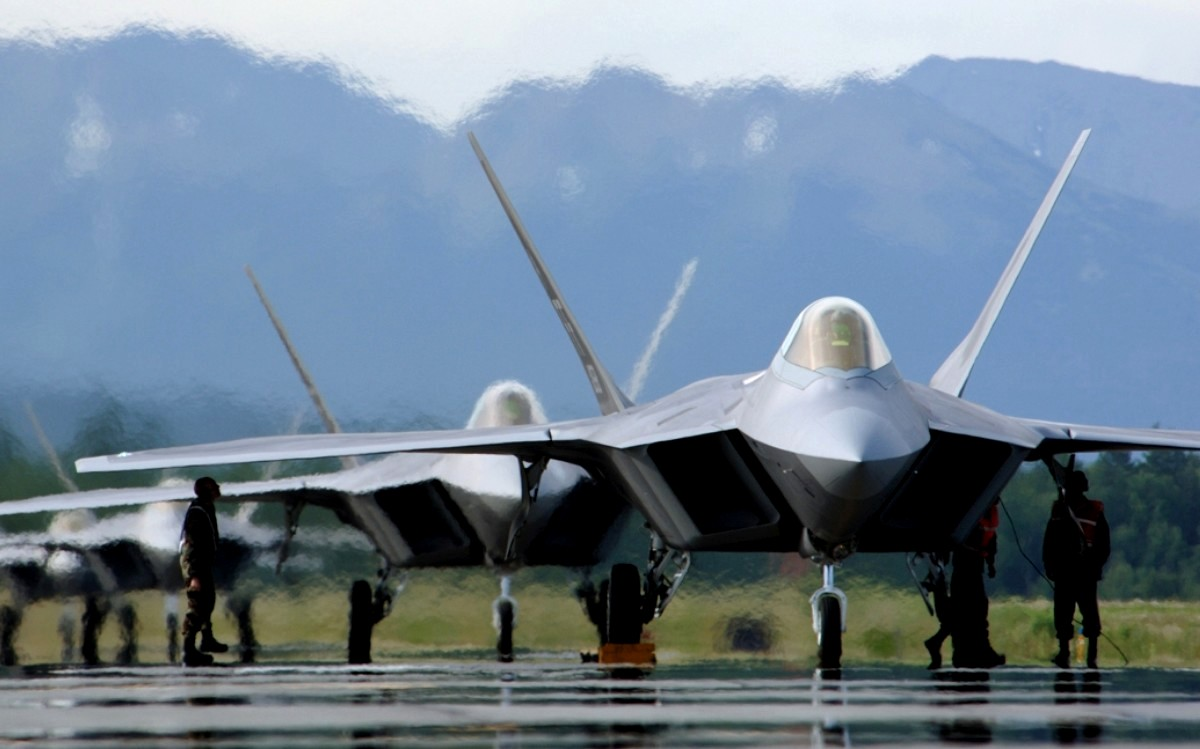 F-22 Raptor Stealth Fighter Jet Wallpaper 3