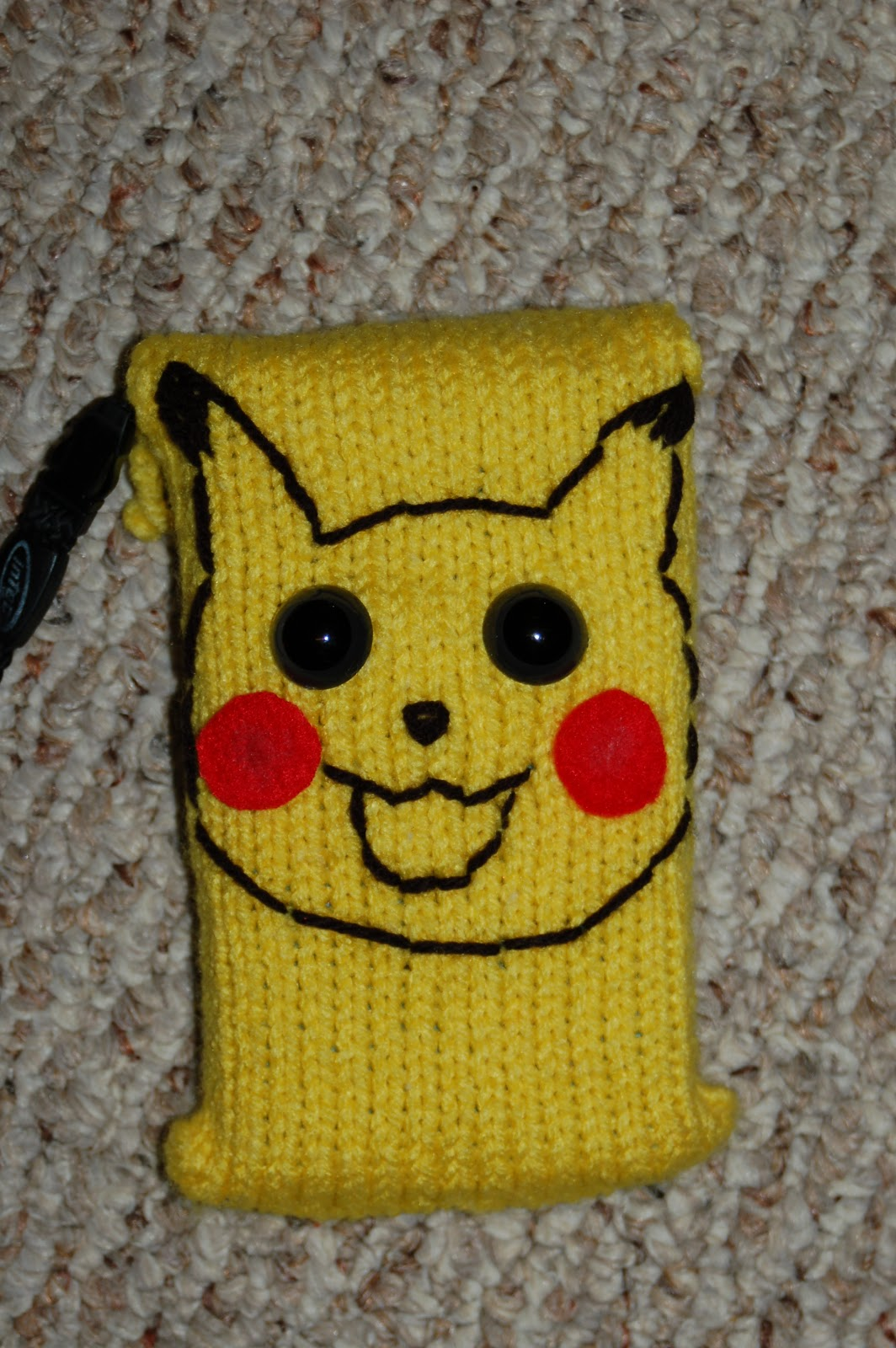 amiable knitting: Pikachu DS Cozy