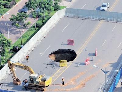 lubang besar misteri china