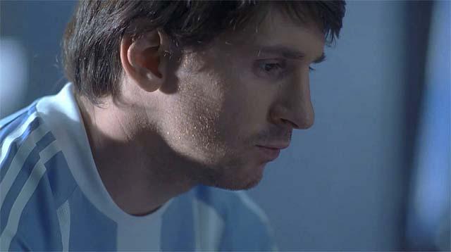 Lionel Messi pensativo