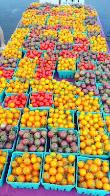 A Saturday in August at the Hollywood Farmers Market in Portland, Oregon, with so much tomato goodness