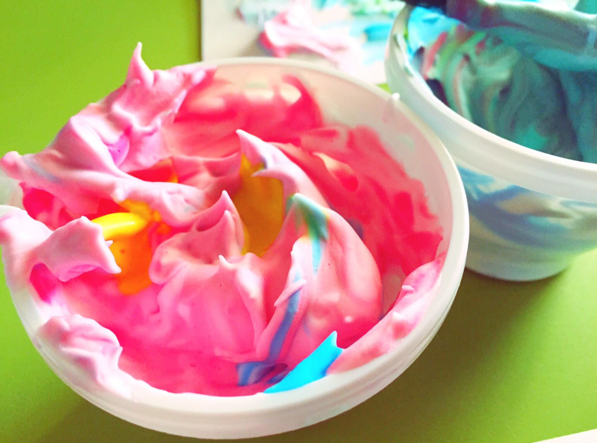 Pintar con espuma de afeitar gololo y toin blog de for Se puede pintar encima del barniz