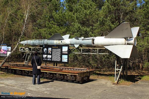 szczątki mobilnej wyrzutni rakiet W-120