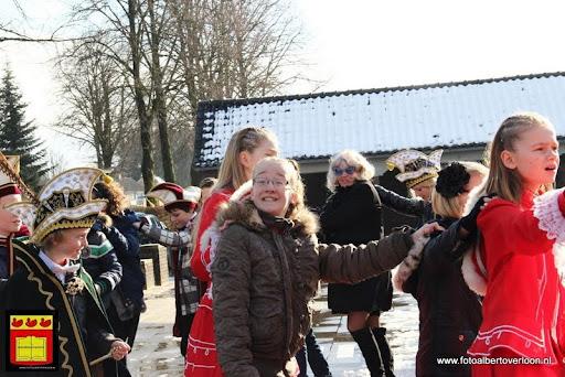 carnavalsfeest op school 08-02-2013 (3).JPG