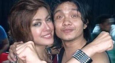 Foto Novita Dewi dan Alex Rudiart