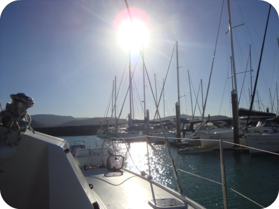 sailing in the whitsundays + what to know