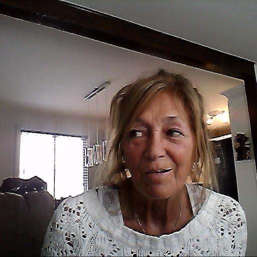 Suzanne Richard