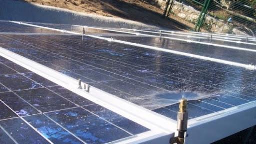 La Limpieza De Los Paneles Solares Está A Punto De Ser Mucho Más Fácil