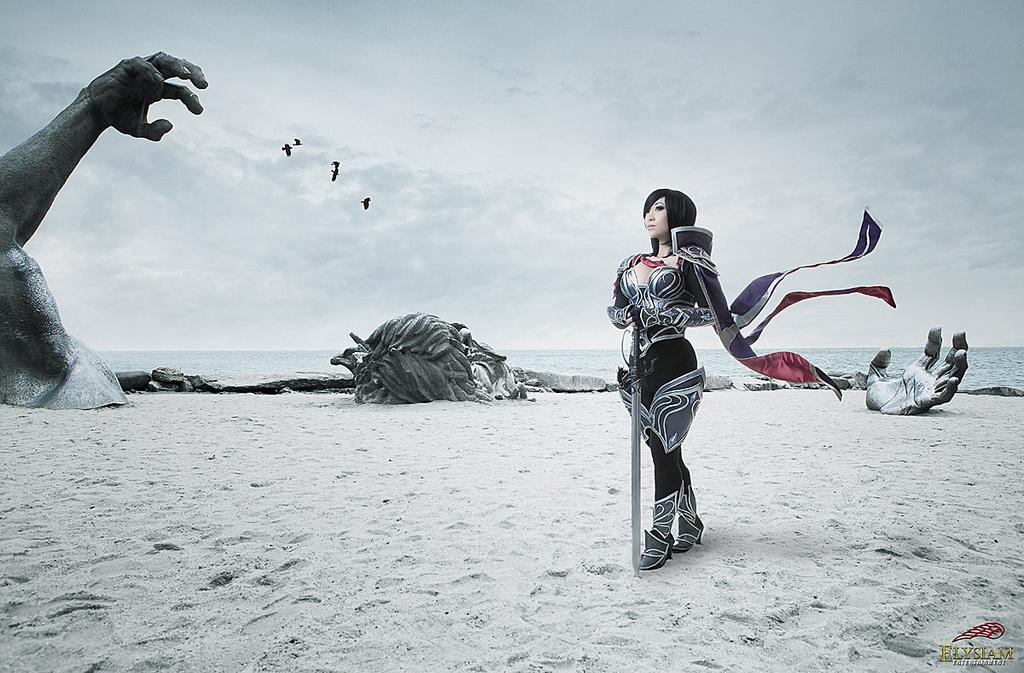 Ngắm cosplay Fiora Quạ Đêm cực chất của Yaya Han - Ảnh 5