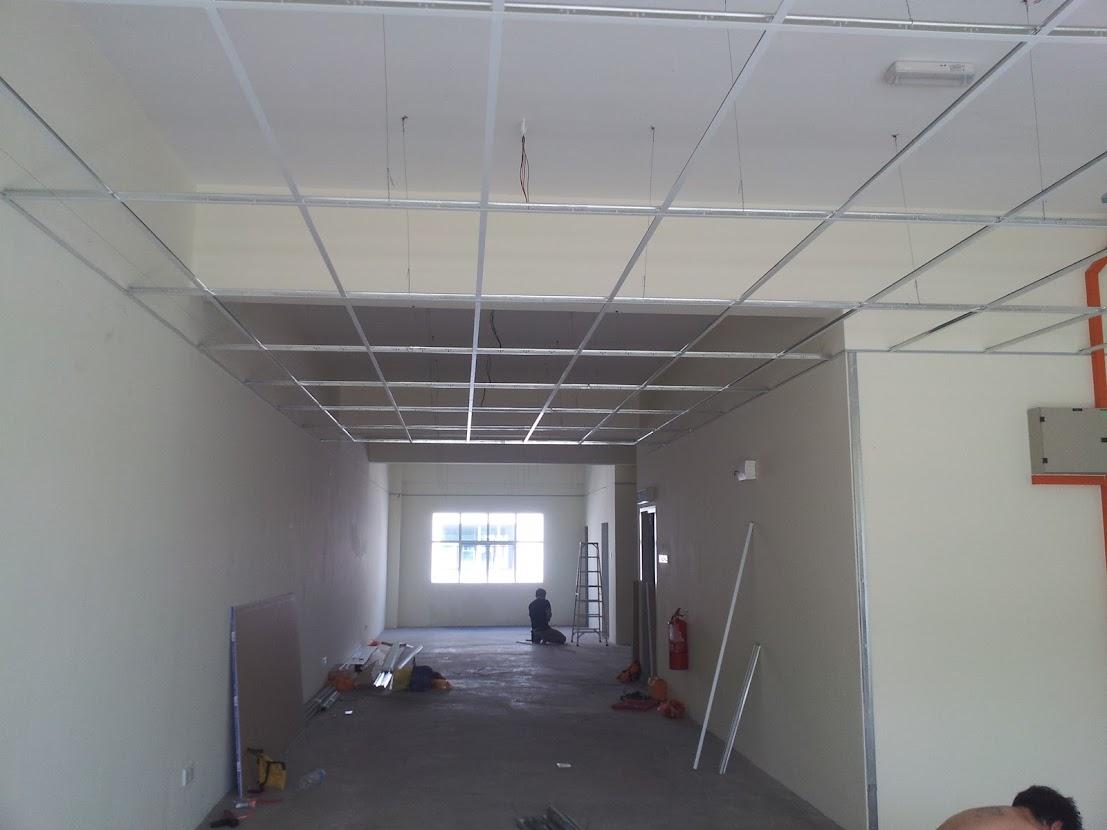 installing suspended ceiling frame