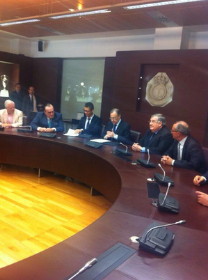 Picture of Cristiano Ronaldo signing Real Madrid contract extension, until 2018