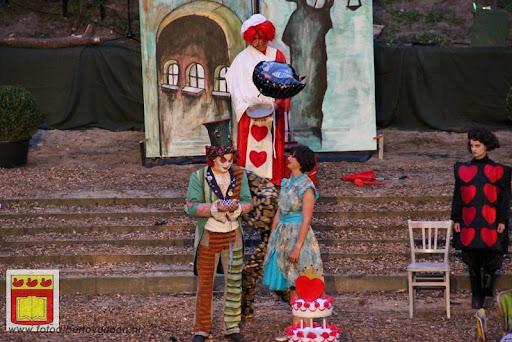 Alice in Wonderland, door Het Overloons Toneel 02-06-2012 (75).JPG