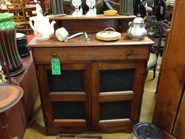Click here to visit our antique furniture webpage. - Gannon's Antiques Mall In Ft Myers Near Naples Florida: Antique