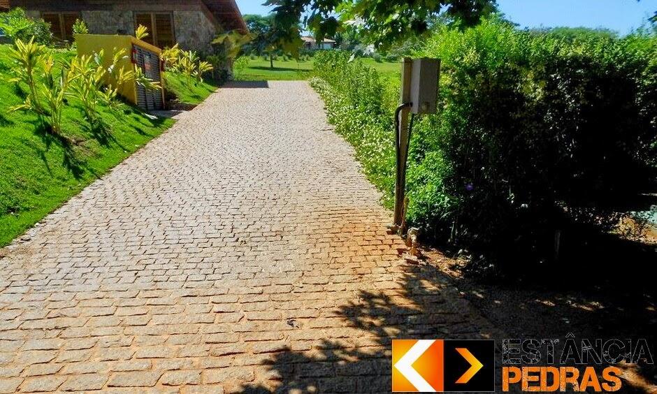 Calçamento com Paralelepípedo em Ponta Grossa (região) Construído com Mão de Obra e Pedras da Estância Pedras