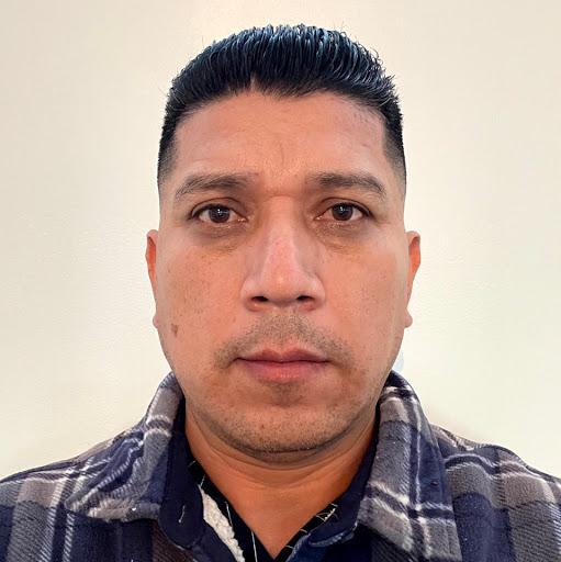 Elmer Castro Photo 17