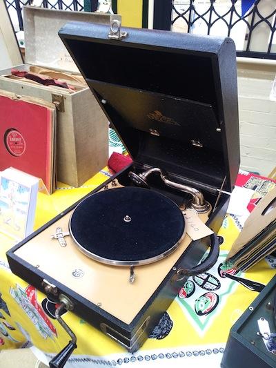 It's a Wind Up!  Vintage 78 DJs
