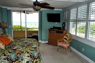 Master Bedroom opens onto Lanai