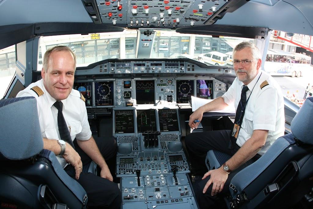 Im Cockpit unterscheidet sich der A380 kaum von anderen Maschinen der Airbus-Familie
