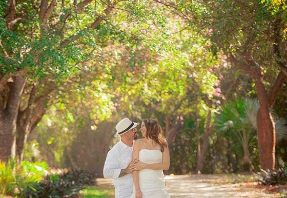 Destination beach weddings in Florida