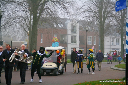intocht sinterklaas overloon 13-11-2011 (11).JPG