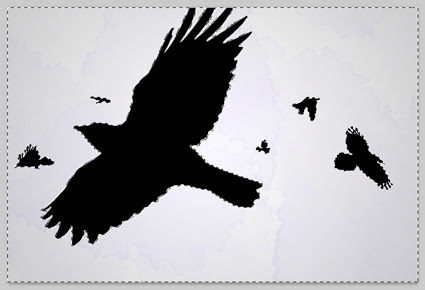 Seleção nas áreas vazias ao redor das silhuetas dos corvos
